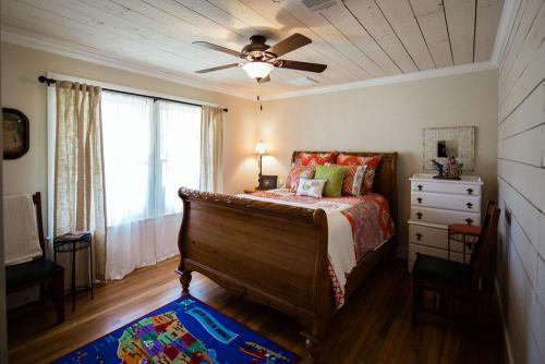 Bungalow Guest Suite