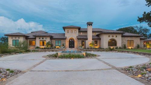 Casa Grande Front